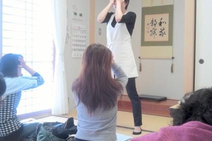 56会 バラの香りを楽しみながらのセルフヘッドマッサージ ikegami H27.10.31.2
