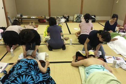 きたりんぱ 背面の復習、二の腕~ローズオイルを使ってみよう wasizaki  H28.7.15.1