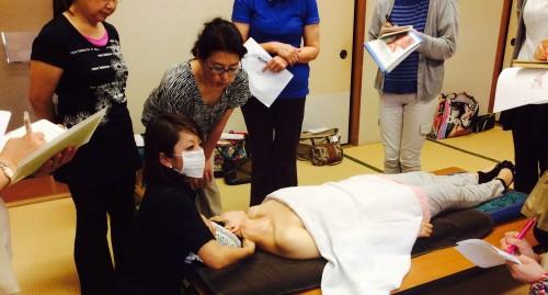 くるりんぱ  頚~顔の筋肉アプローチのやり方 H26 0621.5